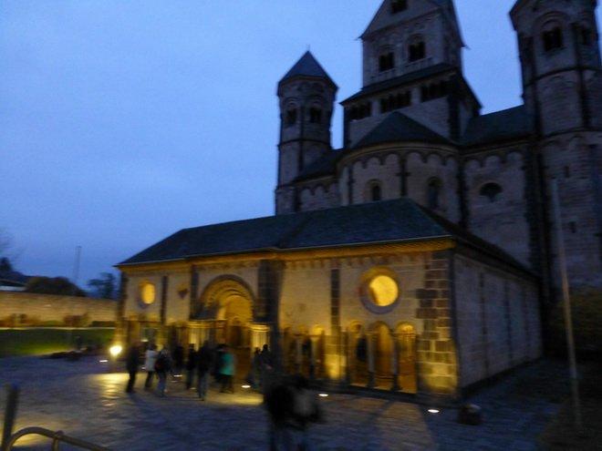 Klosterkirche Maria Laach nachts