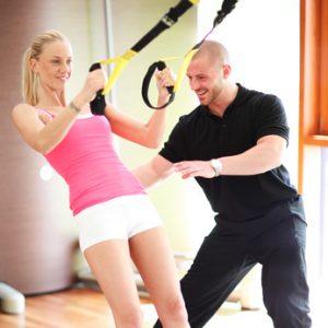Eine der neuen Trendsportarten: TRX Suspension Training //© Peter Atkins - Fotolia.com