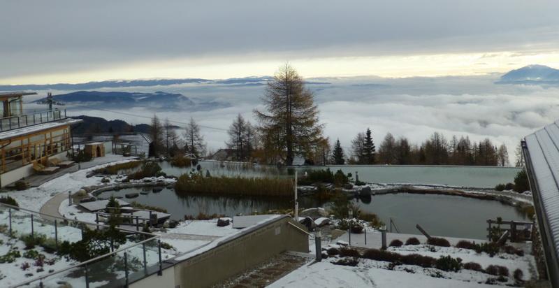 Almsee am Bergrand über den Wolken 5