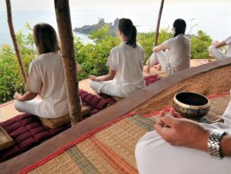 Morgen Yoga im Meditation Hill