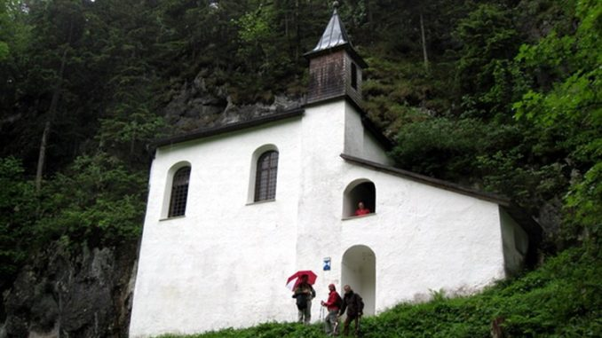 "Wanderung vom Hotel ""Weisses Roessl am Wolfgangsee"""